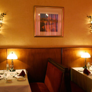 Brunos Italian Restaurant Dumfries - Booth Seating